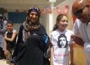 La mère d'un martyr de la révolution du bassin minier dans une manifestation en 2010.