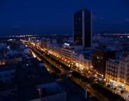 L'avenue Bourguiba, artère principale de la capitale tunisienne